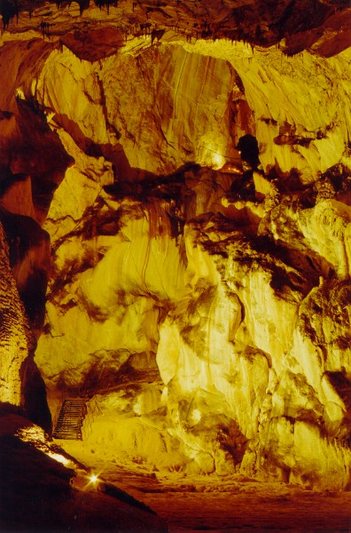Grotte_de_Lombrives-1.jpg